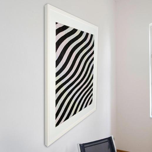 Betrachten Sie das Bild von links: Sie sehen ein schwarz-weißes Linienraster.