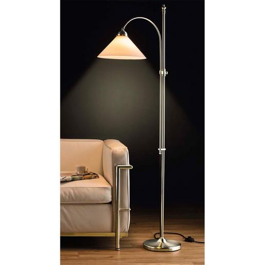 Berliner Messing-Stehlampe, Vernickelt oder Antik-Finish Noch traditionell gefertigt, aus Messing & mundgeblasenem Opalglas.