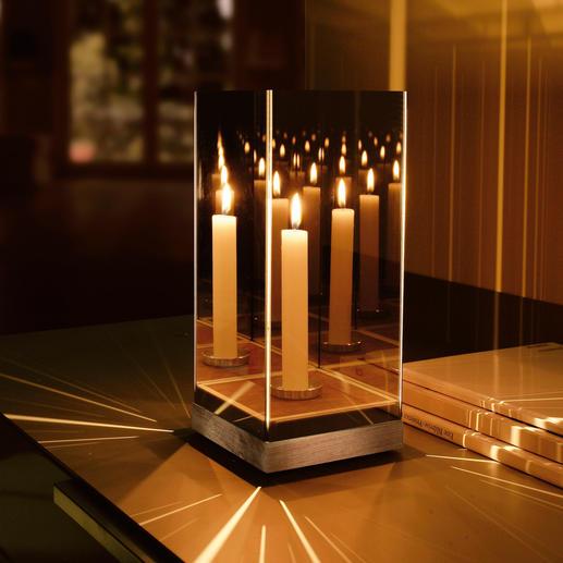 Geheimnisvolles Spiegellicht - Ein Effekt von verwirrender Schönheit – durch nur eine Kerze entfacht.