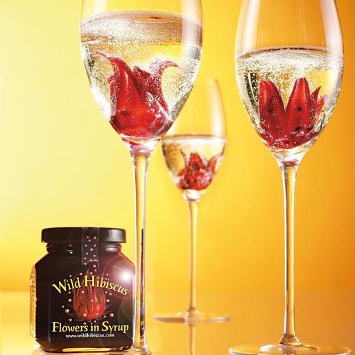 """""""Wild Hibiscus Flowers"""" in Sirup, 2er-Set Wilde Hibiskusblüten in perlendem Champagner. Ein Hochgenuss für Auge und Gaumen."""