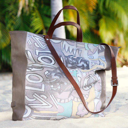 Strenesse Blue Magic-Bag Wichtig: Prints. Richtig: Shopper-Form. Magic: Wechselnde Farben.