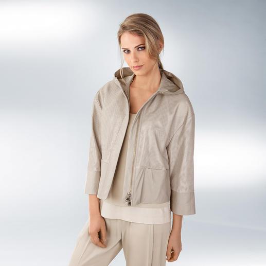 Strenesse Seiden-Hose, Layer-Top oder Lammnappa-Hoody Clean-Chic- und Sportswear-Trend, perfekt kombiniert von Strenesse.