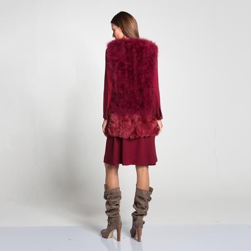 Jersey-Swing-Kleid und Feder-Fellweste
