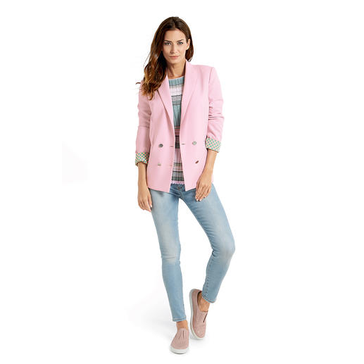 Pinko Streifen-Pulli, Skinny-Jeans oder Zweireiher-Blazer - Selten harmonisch aufeinander abgestimmte Kombination in trendigen Rosé- und Aquatönen. Von Pinko.