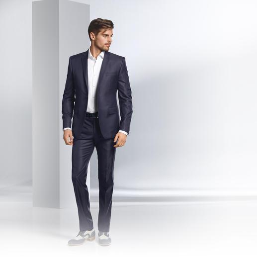 Versace Collection Anzug Minimalmuster - Minimaldessin. Mitternachtsblau. Modisch schmale Form: Der Sommer-Anzug 2016 kommt von Versace.