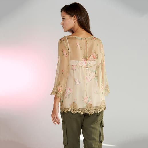 TWINSET Cargohose, Grobstrickjacke oder Rosen-Bluse, 2-teilig Stilbruch-Looks sind weiter wichtig. TWINSET beherrscht den Trend wie kaum ein anderer.