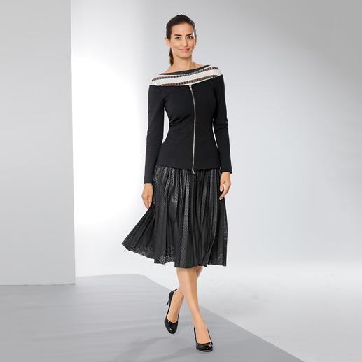 Pinko Off-Shoulder-Blazer Bei Pinko wird der schwarze Blazer zum schulterfreien Trend-Piece.