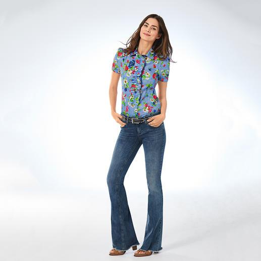 Love Moschino Denim-Bluse Denim. Früchte. Blüten. Verspielte Details. Love Moschino: 5 gute Gründe für diese Bluse.