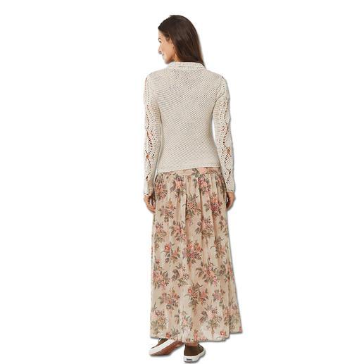 TWINSET Häkel-Bikerjacke oder Maxi-Kleid TWINSET beherrscht den Trend wie kaum ein anderer: Wallendes Blüten-Maxikleid. Grober Strick im Biker-Stil.