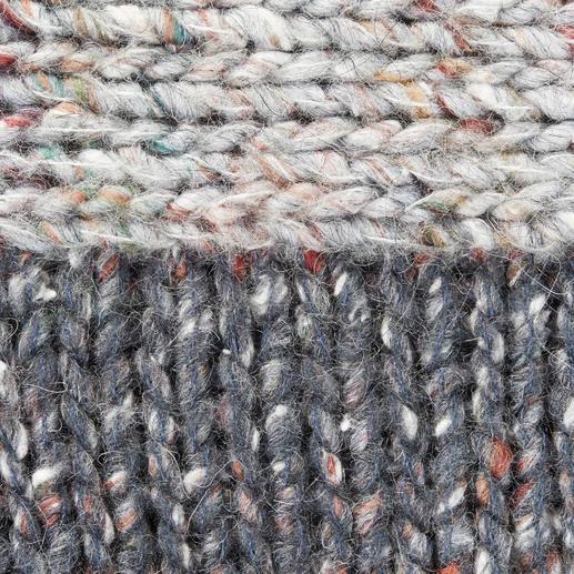 Zadig & Voltaire Tweed-Cardigan Up to date in Form, in Farbe. Luxuriös im Material: Der Oversize-Cardigan von Zadig & Voltaire.