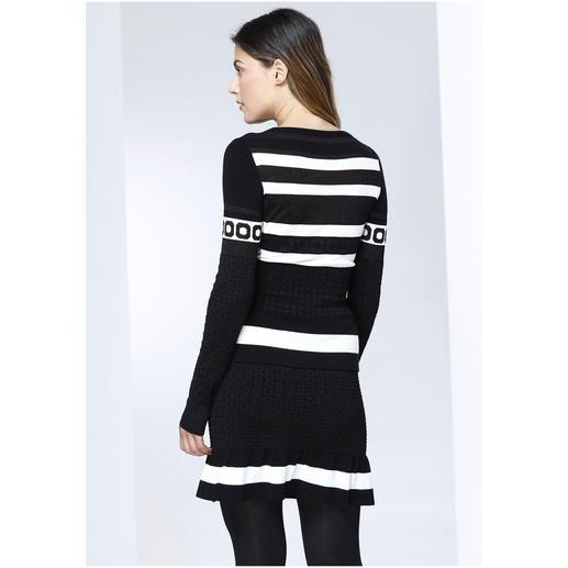 Boutique Moschino Volant-Pulli oder -Strickrock Sportswear-Style in selten verspielter Art: Die feminine Strick-Kombi von Boutique Moschino.