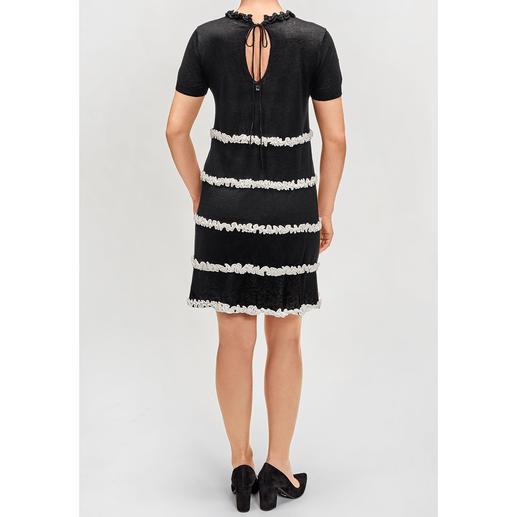 TWINSET Strickkleid 1 Kleid - 3 Trends: Schwarz/ Weiß, A-Linie, Rüschen. Von TwinSet.