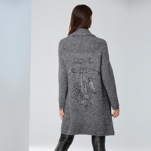 """Camouflage Longcardigan """"Feather Arrow"""" Strickmäntel sind jetzt ein Muss. Tragen Sie eines der gefragten It-Pieces von Camouflage-Couture."""