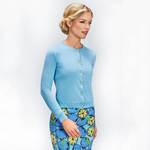 """Boutique Moschino Couture-Cardigan Perfekt zum angesagten 60ies-Look. Und mit trendigen """"Frucht""""-Details."""
