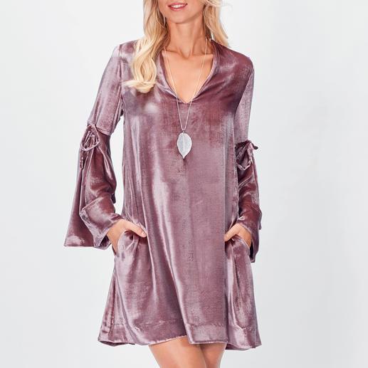 SLY010 Seidensamt-Kleid Krönung des Samt-Trends: das Kleid aus exquisitem Stretch-Seidensamt von SLY010.