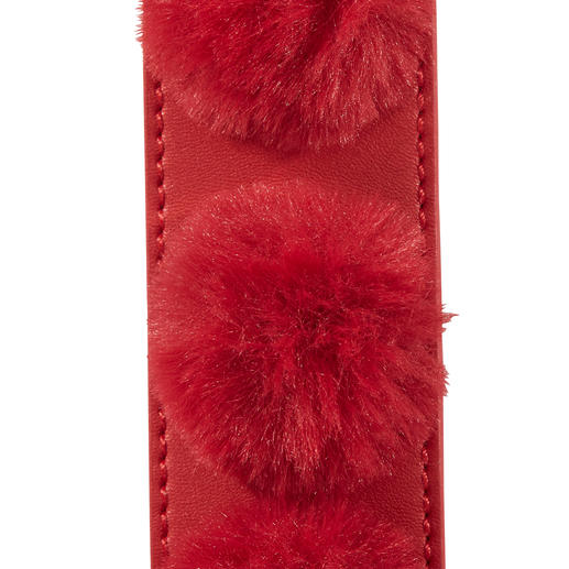 Love Moschino Fake-Fur-Taschengurt Pimp your Bag: Top-Trend Taschen-Wechselgurte - bei Love Moschino mit angesagten Fellbommeln.