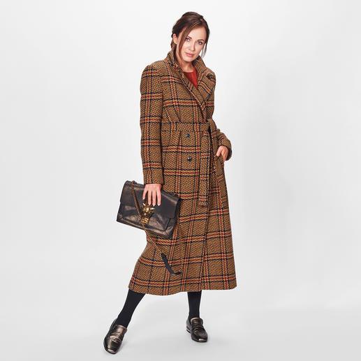 TWINSET Glencheck-Mantel oder Flatterkleid Fashion-Facts: Lange Karo-Mäntel, Curry-Töne, Kleider mit Statement-Ärmeln. TWINSET hat dazu den Volltreffer-Key-Look.