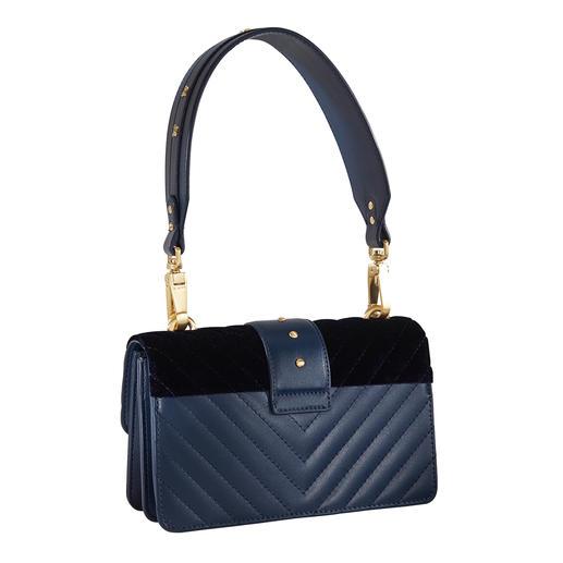 Pinko Stepp-Tasche 1 Tasche – 5 Trends: Stepp. Samt. Blau. Schmuck-Nieten und Pinkos Statement-Logo.