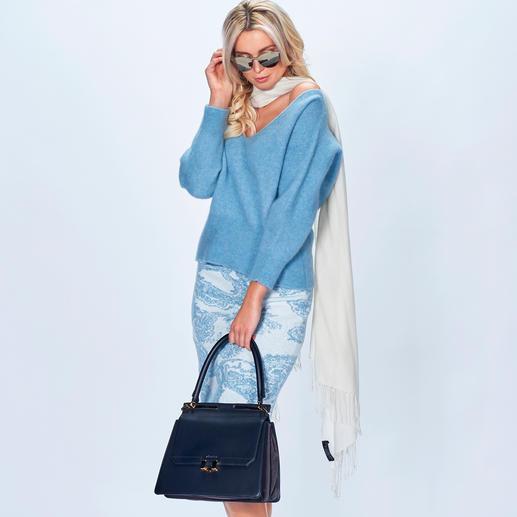 Pullover und Strickrock