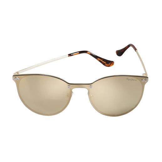 Flat, verspiegelt und golden – trendiger kann eine Sonnenbrille kaum sein. Von Pepe Jeans London. Flat, verspiegelt und golden – trendiger kann eine Sonnenbrille kaum sein. Von Pepe Jeans London.