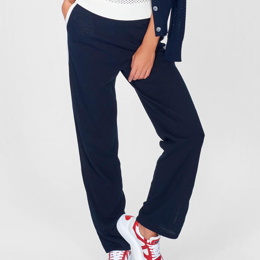 Stefanel Sporty-Strickhose In diesem Sommer High-Fashion – bei Stefanel bewährtes Basic.