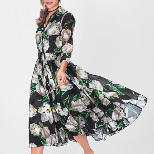 Blüten-Trend eleganter Art: das schwingende Retro-Kleid von Samantha Sung.