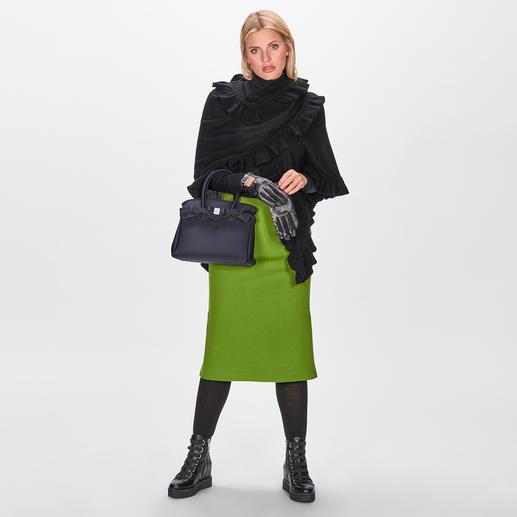 Strenesse Green Pencil-Skirt So clean und edel präsentiert Strenesse die Trend-Farbe Grün & 3 weitere Trends.