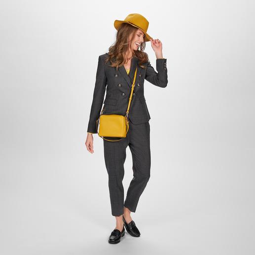 Pinko Karo-Anzughose oder -Blazer Pinkos Hosenanzug-Kreation schafft eine selten perfekte Balance: maskuline Optik & figurbetonter, feminin-eleganter Schnitt.
