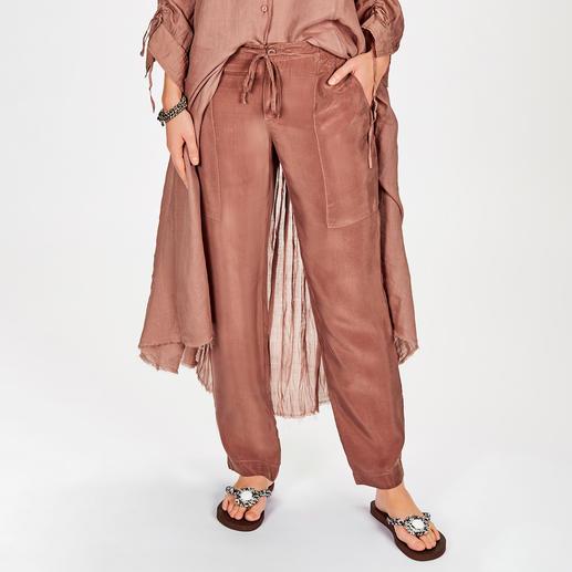 European Culture Cupro-Hose oder Maxi-Tunika Selten ist eine Trend-Kombi so bequem, natürlich, unkompliziert und vielseitig.