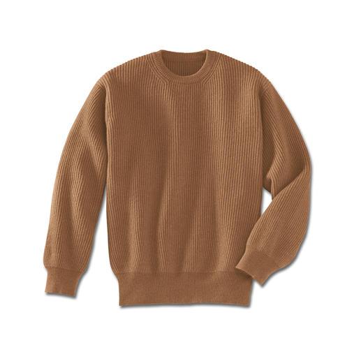 Kamelhaar-Pullover Der Luxus eines echten Kamelhaar-Pullovers. Fully-fashioned in Form gestrickt, anschließend zusammengekettelt.