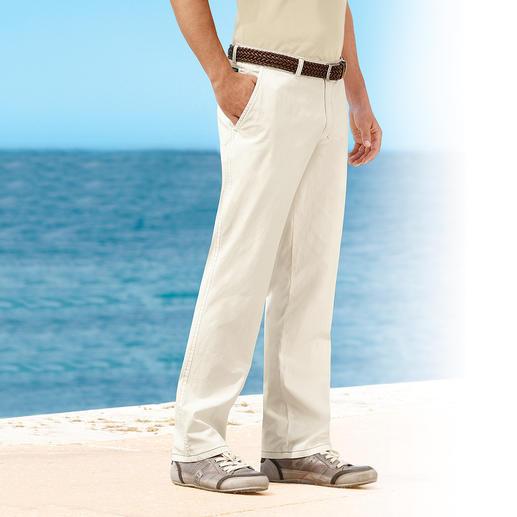 Cremeweiße Bermudas oder Cremeweiße Hose Endlich unkompliziert: die cremeweiße Hose aus weichem Baumwoll-Popeline. Luftig. Blickdicht.