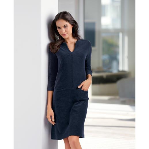 Frottier-Relax-Kleid, Marine - Bequem wie ein Homesuit. Aber viel charmanter. Das unkomplizierte Frottier-Kleid.