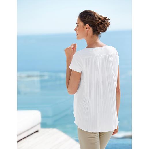 van Laack Blusen-Shirt Eleganter und femininer als ein Shirt. Lässiger und zwangloser als eine Bluse. Das van Laack Blusen-Shirt.