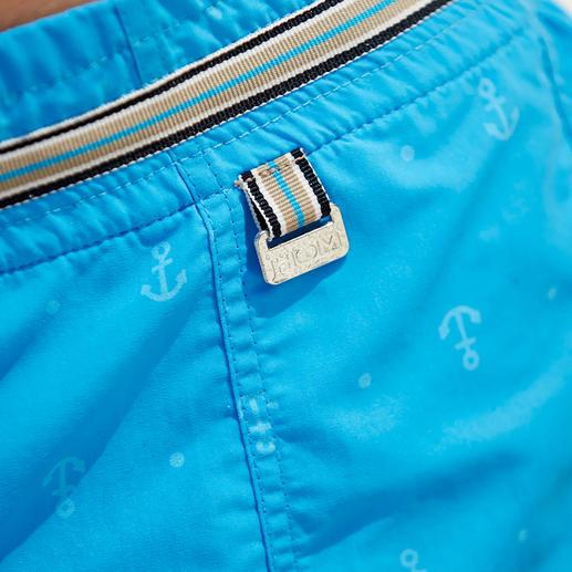 Bei Wasserkontakt erscheint ein Anker-Muster. Sind Ihre Shorts wieder trocken, verschwindet es wie von Zauberhand.