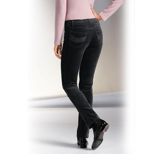 Magic-Samt-Jeans Flacher Bauch. Fester Po. Und eine schlanke Taille.