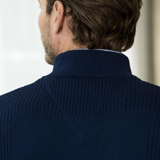 Stereo-System® Strickjacke Die wärmende Wolljacke, die niemals kratzt. Ihr Geheimnis: feinste Merinowolle außen, reine Baumwolle innen.