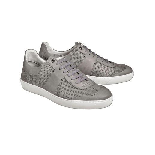 Die Edel-Version der aktuellen Sneaker im Retro-Look. Die Edel-Version der aktuellen Sneaker im Retro-Look. Vollleder-Ausstattung. Durchgenähte Sohle.