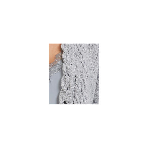 Irelands Eye Zopfstrick-Mantel Figurschmeichelnd und indoortauglich: der Zopfstrick-Mantel von Irelands Eye/Dublin.