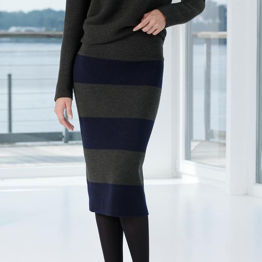 Oversize-Pullover oder Bleistift-Strickrock Das puristisch-elegante Ensemble aus reiner Merinowolle.