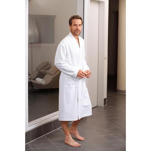 Das Leichtgewicht unter den Bademänteln - trotzdem flauschig und saugstark. 740 Gramm leicht. Von Taubert.