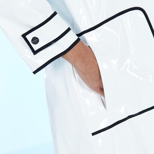 Twin-Set Regenmantel Zurück in der Mode: Der Lackmantel aus den 60ern ist stylischer Regenschutz von heute.