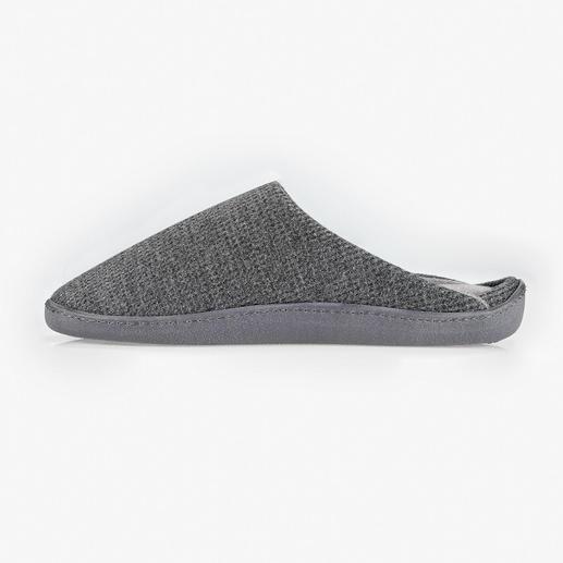 PillowStep™-Hausschuh Für mehr Halt in Hausschuhen: das patentierte PillowStep™-Fußbett aus Memory-Foam.