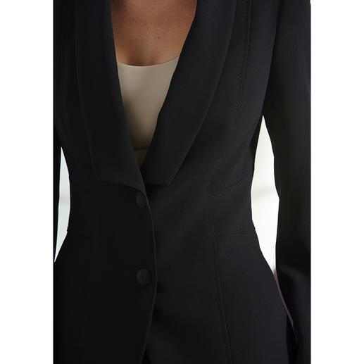 Easywear-Blazer, -Rock oder -Hose Der unkomplizierte unter den klassischen Business-Anzügen. Blazer, Hose und Rock – vielseitig zu kombinieren.