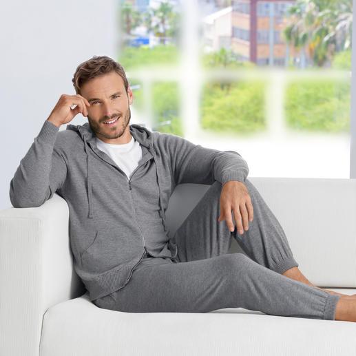 John Smedley Feinstrick-Homesuit Der elegante Gentleman-Homesuit made in England. Aus seltenem 24-Gauge-Merino-Feinstrick. Von John Smedley.