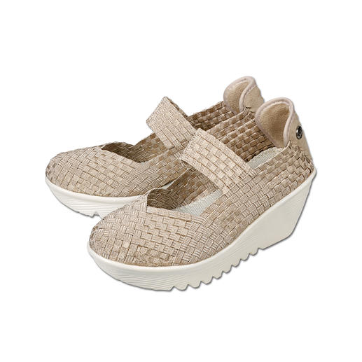 "Der Fashion-Hit aus den USA: Flecht-Wedges vom ""Master of woven Footwear"", bernie mev., New York. Der Fashion-Hit aus den USA: Flecht-Wedges vom ""Master of woven Footwear"", bernie mev., New York."