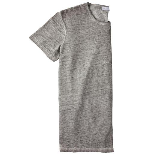 Ihre natürliche Klimaanlage an heißen Tagen: das T-Shirt aus reinem Leinen. Ihre natürliche Klimaanlage an heißen Tagen: das T-Shirt aus reinem Leinen.