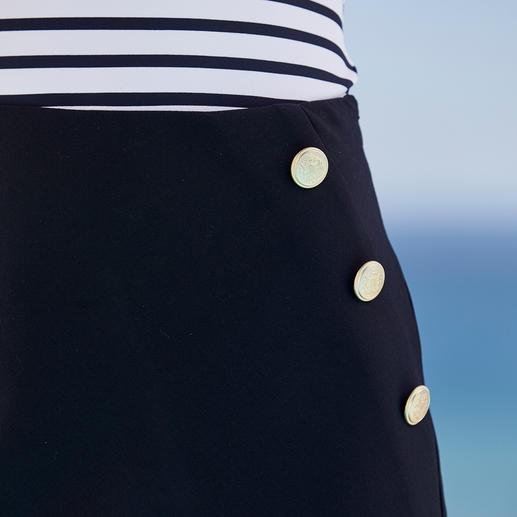 Seductive Seemannsrock Selten ist maritime Mode so elegant (und so erschwinglich). Der Seemannsrock von Seductive.