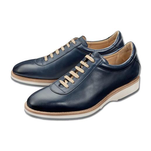 Der elegante Edelsneaker, hochwertig rahmengenäht wie klassische Businessschuhe. Der elegante Edelsneaker, hochwertig rahmengenäht wie klassische Businessschuhe. Made in Spain von Cordwainer.
