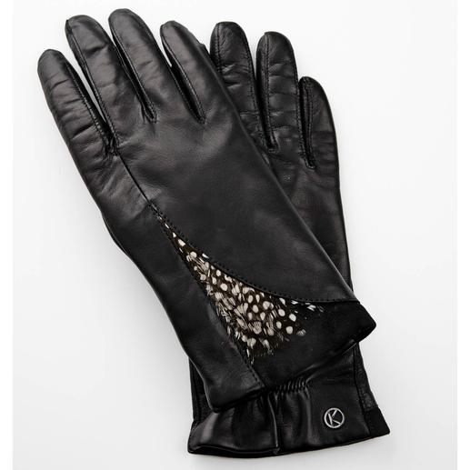 Otto Kessler Feder-Handschuhe Catwalk-Trend Federn. Besonders schön an feinen Lederhandschuhen.
