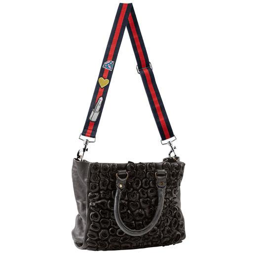 Taschen-Wechselgurt mit Patches Nur selten einzeln erhältlich: der angesagte Wechsel-Gurt mit Trend-Patches. Pimpt Ihre Tasche im Nu zur It-Bag.